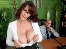 Fucking the giant breasted MILF who's wearing glasses