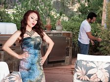 Red-hot HORNY HOUSEWIFE Claudia acquires ass-fucked by the gardener
